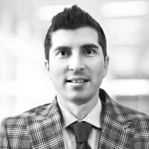 Iulian Gheorghe CMO - Chief Marketing Officer